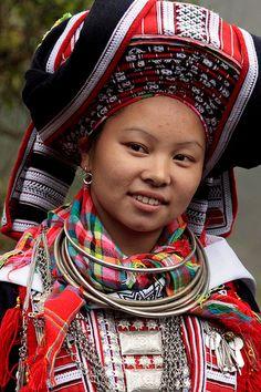 Vietnam - Red Dao Wedding http://viaggivietnam.asiatica.com/