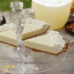Velvety layers. Crushed cookie crumb crust. Own the occasion with Edwards® Desserts.