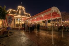 An Evening at Plaza Inn Photo By Michaela Hansen Best Disneyland Food, Disneyland Photos, Disneyland Vacation, Disneyland Photography, Hdr Photography, Disney Facts, Disney Fun, Walt Disney, Walter Elias Disney