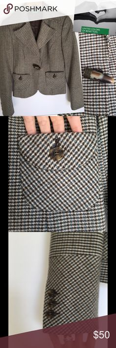 """UNITED COLORS OF BENETTON WOOL HOUNDSTOOTH BLAZER UNITED COLORS OF BENETTON  WOOL HOUNDSTOOTH BLAZER SZ 40  US SZ XS 34-36"""" BUST  21"""" LENGTH 75% WOOL 13% NYLON 12% POLYESTER United Colors Of Benetton Jackets & Coats Blazers"""