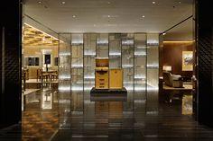 curiosity: louis vuitton ginza namiki dori store - designboom | architecture