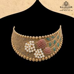 Stylish Jewelry, Fashion Jewelry, Gold Fashion, Fashion Necklace, Gold Mangalsutra Designs, Antique Jewellery Designs, Indian Jewelry Sets, Gold Bangles Design, Gold Jewelry