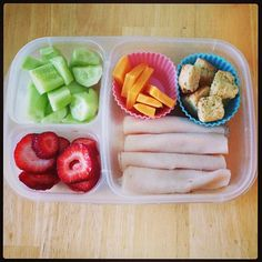 Looks easy, yet delicious. Kids Lunch For School, Healthy Lunches For Kids, Make Ahead Lunches, Lunch To Go, Lunch Meal Prep, Lunch Snacks, Healthy Meal Prep, Lunch Recipes, Healthy Snacks