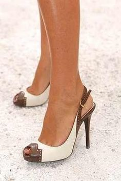 Remind me of 50's and 60's shoes! Love it!