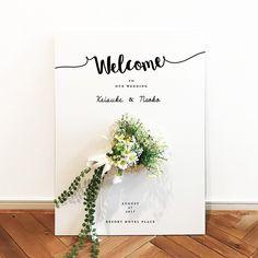 ウェルカムボードにスワッグ・ドライフラワーを付けるアイデア集   marry[マリー] Wedding Card Design, Wedding Designs, Wedding Cards, Diy Wedding, Wedding Ideas, Wedding Invitation Layout, Funny Wedding Invitations, Small Church Weddings, Simple Weddings