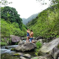 Edward and Ali from Mt. View, Hawaii | Read Edward and Ali's Proposal Story #jamesallenrings #proposal #engagement