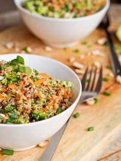 Thai Veggie Quinoa Bowl are the perfect summer one pot meal. Full of crunchy flavors and a sharp, tangy Asian inspired dressing. Vegan and Gluten-Free too.