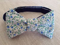 Handmade reversible men's bow tie. Self tie bow by OhMyBowTies