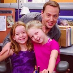 "Sean Murray with two child actors (I believe this is from 5x7 ""Requiem"")"