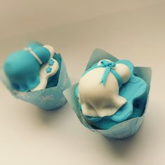 Preggy belly cupcakes #baby #boy #cakepops