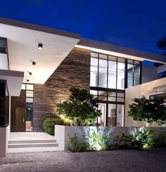 KZ #Architecture have designed the South Island Residence, a single family home located in the town of Golden Beach, Florida.