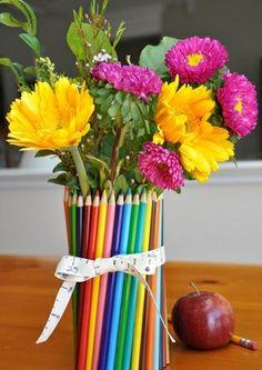 D I Y mix • Vaso Lápis de Cor (Idéia de presente para professor) - um presente para as mães fazerem com os filhos e presentear as professoras.