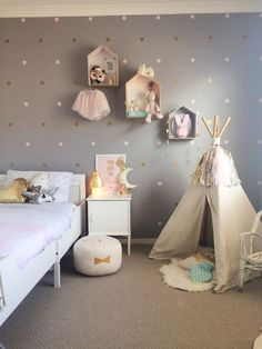 Transform your kids' space in an instant! Add some fun and style to the bedroom with these cute 'Polka Dots' vinyl decals! The easy-to-use stickers allow you to quickly decorate and instantly update a plain wall! With 15 colours and 2 sizes to choose from Teen Girl Bedrooms, Little Girl Rooms, Childrens Bedrooms Girls, Gurls Bedroom Ideas, Bedroom Murals, Bedroom Decor, Master Bedroom, Modern Bedroom, Bedroom Furniture