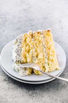 Lemon Layer Cake with Lemon Poppy Seed Buttercream ~ an easy three layer lemon cake with tons of lemon flavor! Lemon Layer Cake with Lemon Poppy Seed Buttercream ~ an easy three layer lemon cake with tons of lemon flavor! Baking Recipes, Cake Recipes, Dessert Recipes, Lasagna Recipes, Lasagna Soup, Tofu Recipes, Avocado Recipes, Oven Recipes, Fudge Recipes