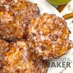 Air Fryer Apple Fritters – The Midnight Baker - Donut Decor Air Fryer Recipes Potatoes, Air Fryer Dinner Recipes, Air Fryer Oven Recipes, Air Fryer Recipes Breakfast, Apple Fritter Recipes, Apple Recipes, Donut Recipes, Sauce Pizza, Air Frier Recipes