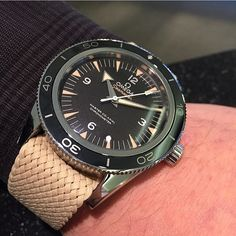 Our beige Perlon strap (20mm) on the Omega Seamaster 300. Matches the patina nicely! Thanks to our retailers @eriksonurhandel for the picture #whatchs Order from www.whatchs.com by whatchsdotcom