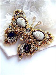 New Embroidery Butterfly Inspiration Ideas Bead Embroidery Jewelry, Beaded Embroidery, Beaded Jewelry, Handmade Jewelry, Jewellery, Bead Crafts, Jewelry Crafts, Col Crochet, Ideas Joyería
