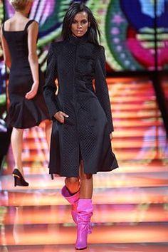 Versace Fall 2002 Ready-to-Wear Fashion Show - Donatella Versace, Liya Kebede