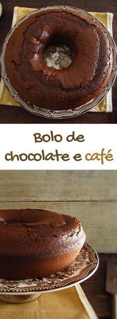 Bolo de chocolate e café | Food From Portugal. Quer preparar um bolo simples e com excelente apresentação? Temos a solução perfeita e mais saborosa para si, este bolo mistura o sabor do chocolate com o delicioso aroma do café que todos vão gostar!! #receita #bolo #chocolate #café