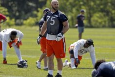 Kyle Long talks Bears defense team culture and how Dowell Loggains will jump up your ass