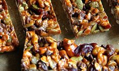 Recipes Snacks Bars No Bake Trail Mix Granola Bars -- sweet, salty, chewy, and crisp, these granola bars are sure to satisfy any craving! Healthy Granola Bars, Homemade Granola Bars, Healthy Bars, Healthy Shakes, No Bake Granola Bars, Granola Barre, Get Thin, Sweet And Salty, Snack Recipes