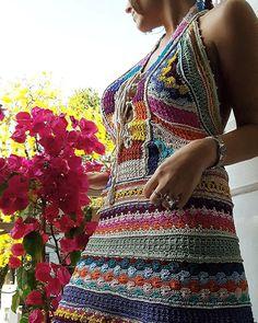 Colorful Monday, happy Monday - Rainbow Dress ❤ #VanessaMontoroStyle #VanessaMontoroCrochet #VanessaMontoroSummer #Authentic #Luxury #HandMade #Crochet #FeitonoBrasil  #MadeinBrazil