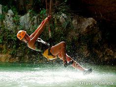 El parque Xplor también se encuentra a pocos minutos, lugar ideal para dejar que la adrenalina fluya y experimentar el vuelo en rappel y tirolesas por encima de la jungla maya.