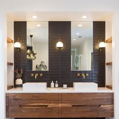 The other half of the bathroom.. couldn\'t of been happier how it turned out! Love it all!! #masterbathroom #interiordesign #schoolhouseelectric #floatingvanity #midcenturymodern #blackandbrass #interioraccessories #carlsbad #encinitaslife #encinitasdesigner Robert Goris.bradford.photography