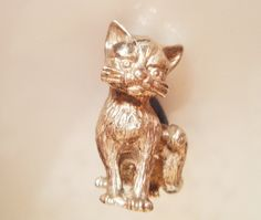 Solid Silver Cat Pin Cushion от TrueVintageCharms на Etsy