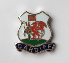 CARDIFF-WALES-FLAG-QUALITY-ENAMEL-LAPEL-PIN-BADGE