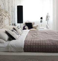 Google Image Result for http://i-cdn.apartmenttherapy.com/uimages/sf/1-28-09%2520bed%2520no%2520box%2520spring.jpg