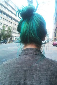 gorgeous aqua hairstyle high messy bun so much want <2