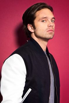 Find images and videos about Marvel, sebastian stan and winter soldier on We Heart It - the app to get lost in what you love. Sebastian Stan Sin Camisa, Sebastian Stan Imagine, Guy Sebastian, Sebastian Stan Photoshoot, Sebastian Stan Shirtless, Bucky Barnes, Laughing Funny, Wallpaper Winter, Sebastin Stan