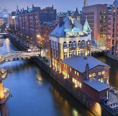Hamburg | Deutschland ♥  ♥  ♥  Wir lieben Deutschland. Deutschland liebt die Trinkflasche aus Glas von EPiCO BOTTLES. Finde sie auf https://epicobottles.de/