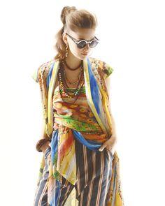 yukikohanaiさんはInstagramを利用しています:「2018S/S Collection #yukikohanai #ユキコハナイ #花井幸子 #fashion #hanaicollection #2018ss #たおやかに美しく #followme #エキゾチック #ソイルジャーニー柄 #太陽 #空 #大地 #パワー」