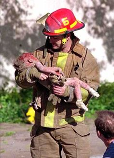 Firefighter and baby Baylee, Oklahoma City bombing
