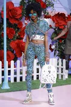 See the complete Philipp Plein Spring 2017 Ready-to-Wear collection.