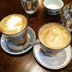 Stop. Coffee time. Kicking off Saturday at the goregous and jazzy @jackdawlondon Spot discovered thanks to #londonbrekkies #breakfast #brekkie #brunch #coffee #latte #jackdaw #dripapp #drippartner #unlimitedcoffee #clapton by londonbrekkies