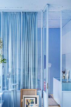 blue monochrome room Aqua Blue Bedrooms, Dark Blue Rooms, Blue Bedroom Decor, Bedroom Ideas, Tiffany Blue Kitchen, Blue Kitchen Decor, Monochrome Bedroom, Monochromatic Color Scheme, Blue Kitchen Accessories