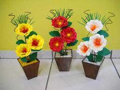 on eva 1 1 Nylon Flowers, Paper Flowers, Flores Do Altar, Altar Flowers, Tree Centerpieces, Farm Birthday, Centre Pieces, Flower Crafts, Crochet Flowers