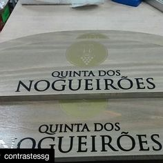 #Repost @contrastessg with @repostapp ・・・ Aplicação de vinil em madeira  #work #working #job #wood #vinillogo #logo  #myjob #office #company #bored #grind #mygrind #dayjob #ilovemyjob #dailygrind  #photooftheday #business #biz #life #workinglate #computer #instajob #instalife #instagood #instadaily