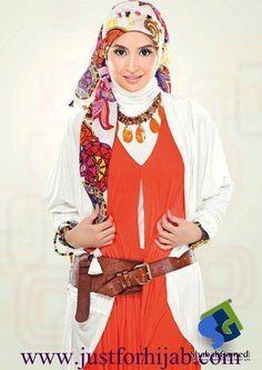 hanan turk fashion styles? | Hanan turk wearing from Scarfa collection