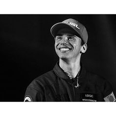 He looks so happy ☺️ Logic Young Sinatra, Logic Rapper, Robert Bryson Hall, Rap Singers, The Incredible True Story, Love And Logic, Music People, Man Crush, Bobby