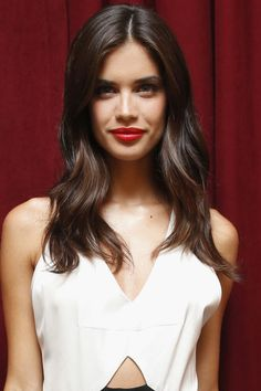 10 of the coolest hairstyles inspired by Emily Ratajkowski, Sara Sampaio, Kate Mara and more that you must try for fall 2015.