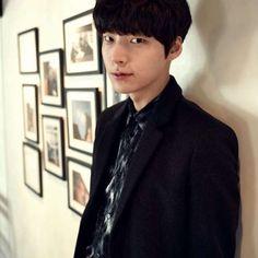 Ahn Jae Hyun Oppa, stop teasing me with that little smile... :)))))