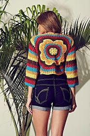 Crochet Patterns Wear Colorful Crochet Blouse - Cléa Line ~ Armarinho São José Crochet Coat, Crochet Tank, Crochet Jacket, Crochet Blouse, Bead Crochet, Crochet Clothes, Poncho Outfit, Hippie Crochet, Boho Fashion