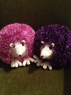 Tinsel hedgehogs Hedgehogs, Pears, Apples, Crochet Hats, Teddy Bear, Easter, Toys, Projects, Crafts