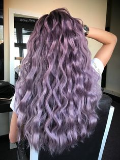 Pastellfarbe Ombre Frisuren und Haarfarben - welliges Haar lila Farbe - Hairstyles, Haircuts and Hair Color - Purple Ombre, Pastel Purple Hair, Violet Hair Colors, Ombre Hair Color, Cool Hair Color, Curly Purple Hair, Light Purple Hair, Purple Colors, Peinados Pin Up