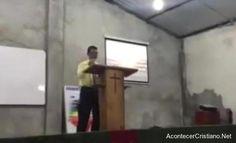 Una iglesia evangélica continuó cantando alabanzas a Dios , en el momento mismo que ocurría el ter...
