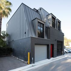 Completed in 2017 in Glebe, Australia. Images by Thilo Pulch - Pulch Photography. . This shop-top-housing project is located on a small back lane in a Heritage Conservation Area in Sydney's inner-west bustling suburb of Glebe. The...